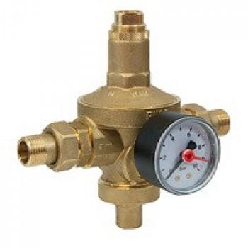 Регулятор давления мембранный латунь R153MK Ду 20 Ру25 G3/4 НР/американка Рн=1,5 - 7бар с маном. GiacominiR153MY104